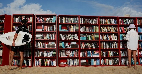 spiaggia_libreria-570x3001